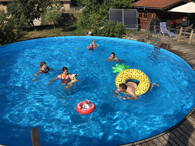 Pool - Ferienhof Henn